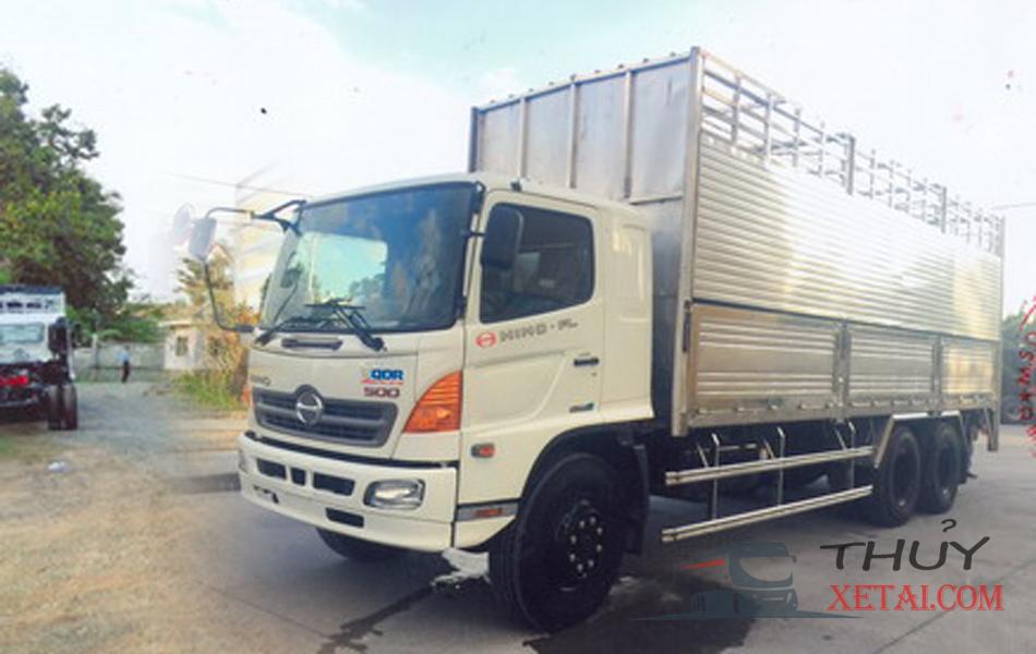 Xe tải Hino 15 tấn thùng bửng chở gia súc