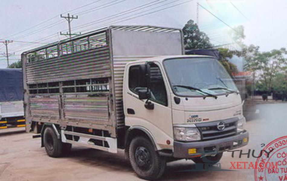 Xe tải Hino 5.2 tấn thùng bửng chơ gia súc giá rẻ