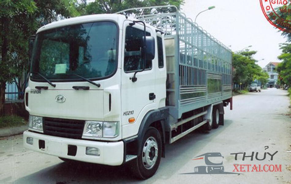 Xe tải chở gia súc Hyundai 3 chân