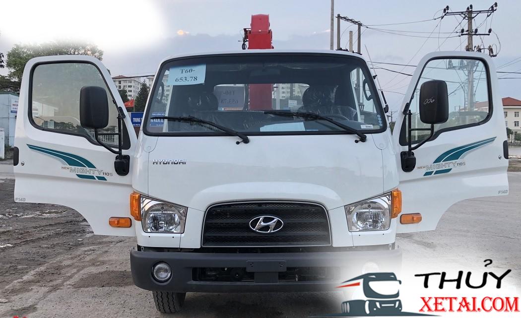 Hyundai 7 tấn gắn cẩu Unic nhập khẩu