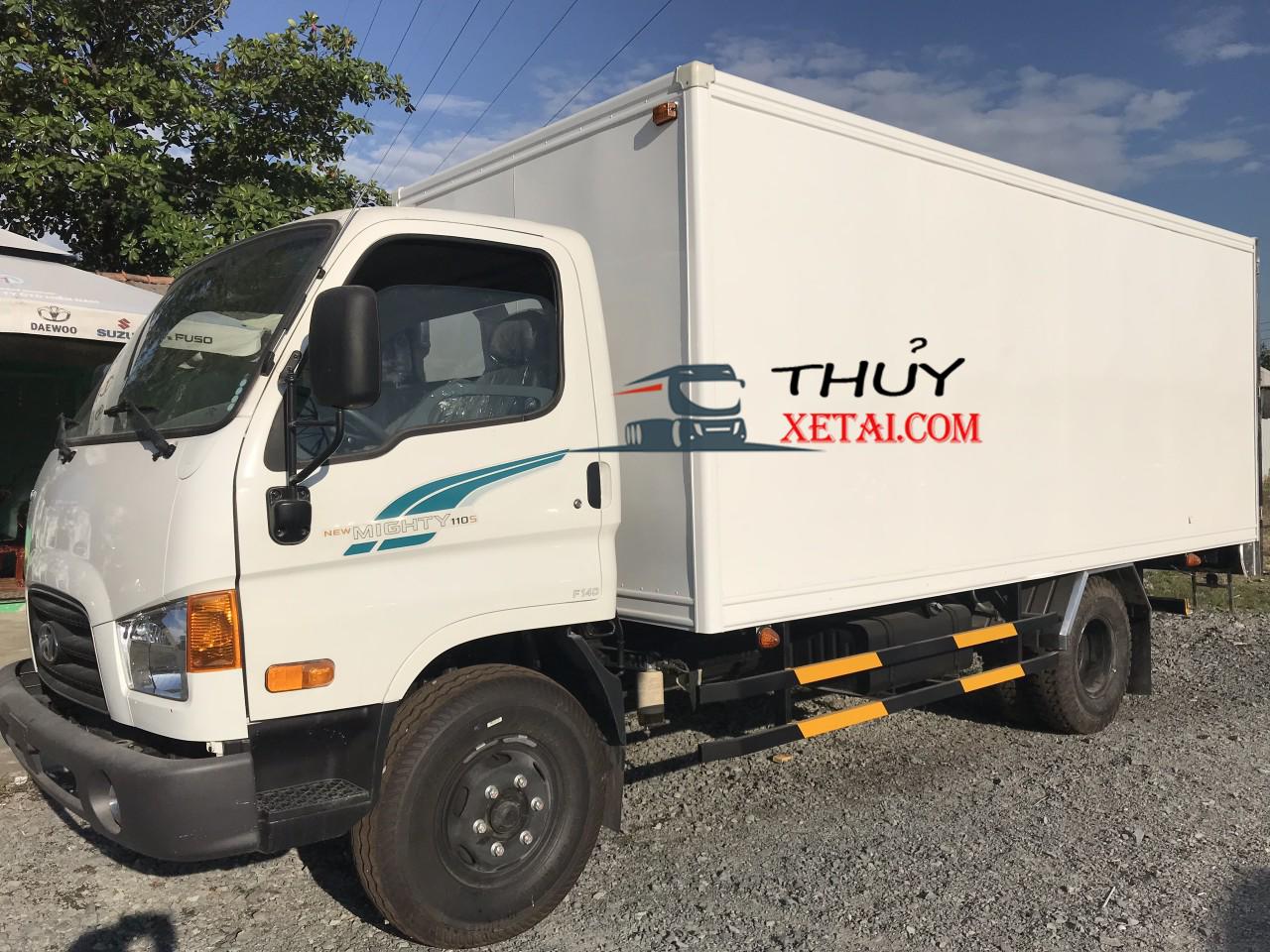 Hyundai 7 tấn 3 thùng kín composite nhập khẩu