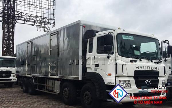 Xe tải Hyundai 17 tấn 4 chân thùng kín - HD320