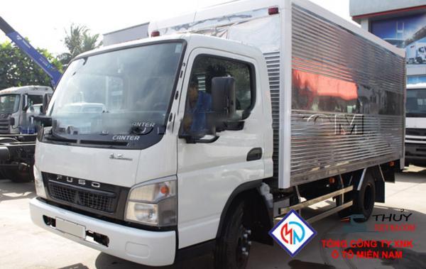 Xe tải Fuso 3T4 thùng kín - Canter 6.5WIDE